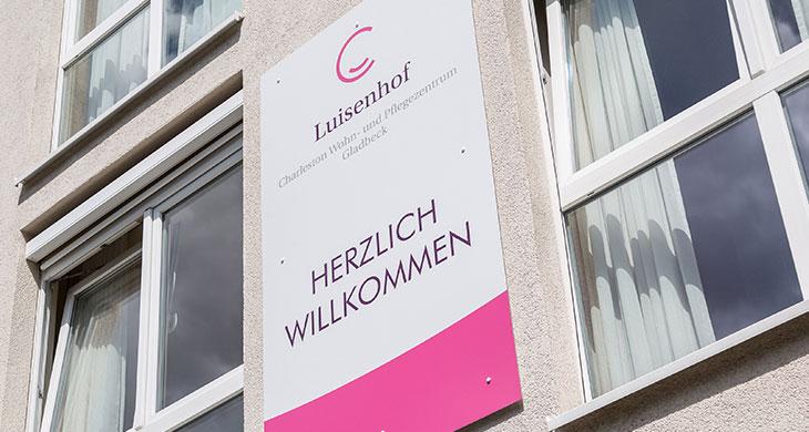 Luisenhof_Schild.jpg